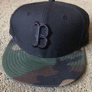 New Era Boston Red Sox Fitted black &camo hat